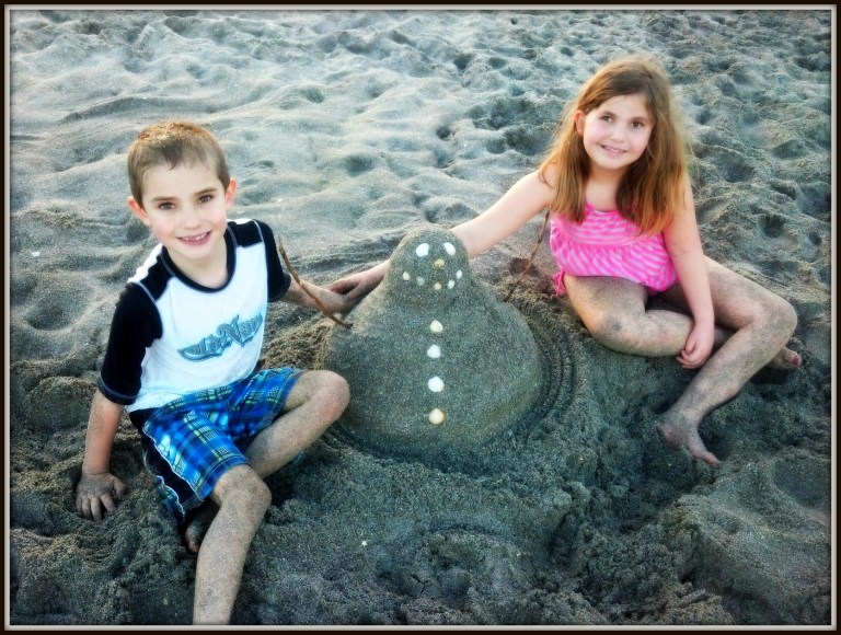 Caitlin, Jakob & the Florida Beach Snowman